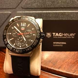 TAG Heuer watches (豪雅手錶)有單有卡,2014年抹油1次都要$2500,100%real & 99%new,行針夜光、月曆,粉絲一定喜愛la,靚靚👍🏿👍🏿。