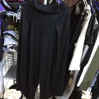 Black Uniqlo Pleated Wide Leg Pants