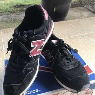 New Balance 373 Black-Maroon