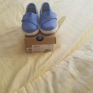 Brand New Toms For Kids