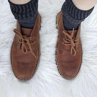 Brown Clarks Classic Desert Boot Size 6