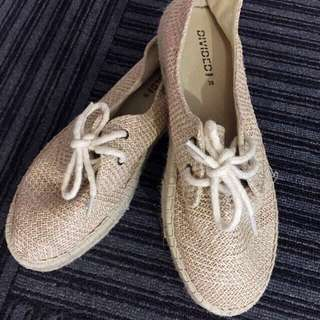 Vintage Canvas Straw-like flats