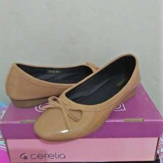 REPRICE Sepatu Cerelia Krem (with Box)