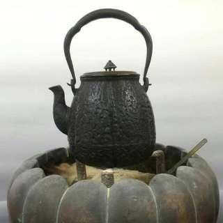 晴壽堂棗形鐵壼、南瓜形紫銅火爐