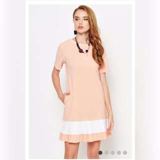 LAB LINNA PLEATED SHIFT DRESS PINK In S