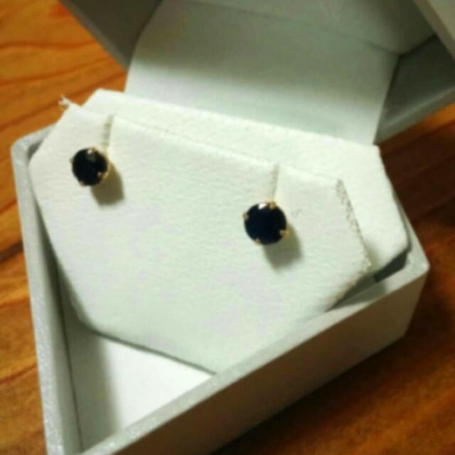 14kt yellow gold with Blue Sapphire Stud earrings