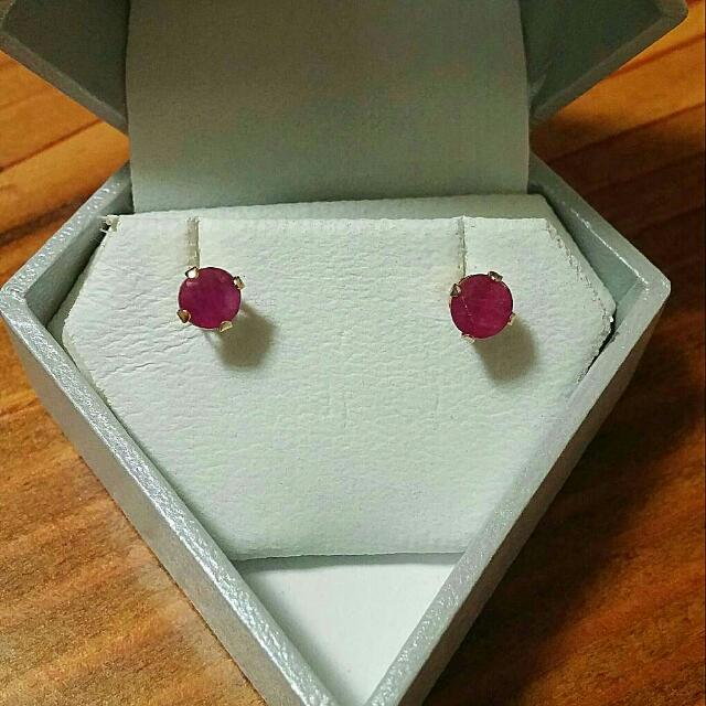 14kt yellow gold with genuine Ruby Stud earrings