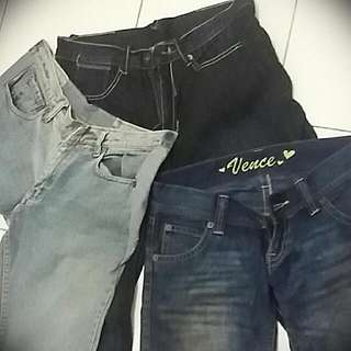 Jeans Size 29-30..