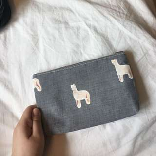Minimalistic Alpaca Pencil Case in Grey