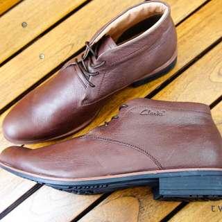 Clarks Chukka Boots Brown