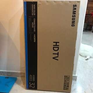 """Samsung 32"""" UA32J4003 LED TV"""