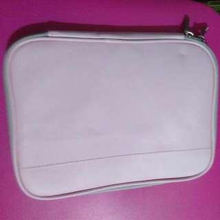 粉紅色筆記型電腦皮套 大約10吋以內 特價只要499元