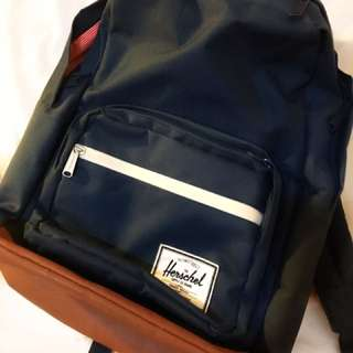 HERSCHEL Pop Quiz Bag In Navy