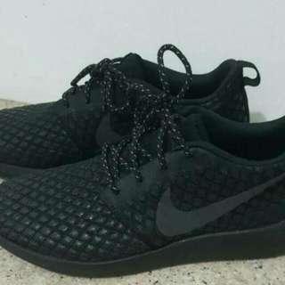 Nike Roshe Two Triple Black Japan Edition