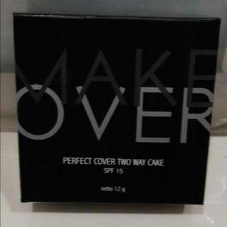 Makeover Perfect Cover Two Way Cake