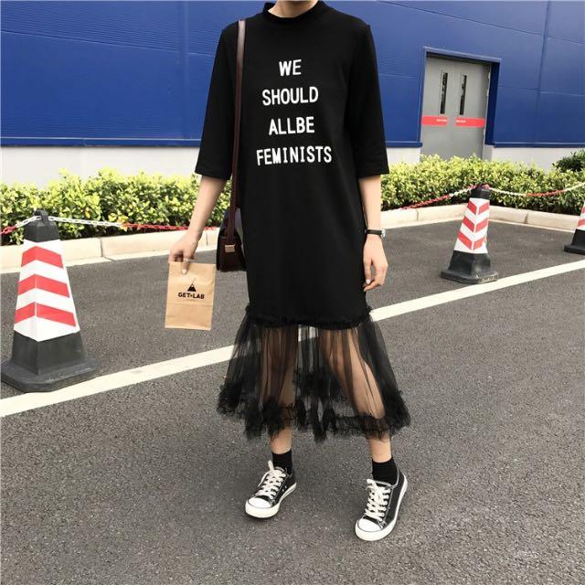 五分袖黑色洋裝 下擺網紗 印花字體 連身裙