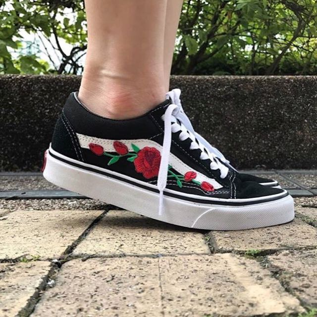 red rose embroidered old skool vans