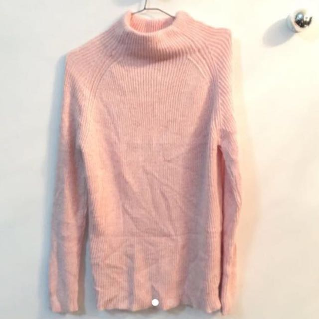 Baby pink turtleneck knitted sweater, Preloved Women's Fashion ...