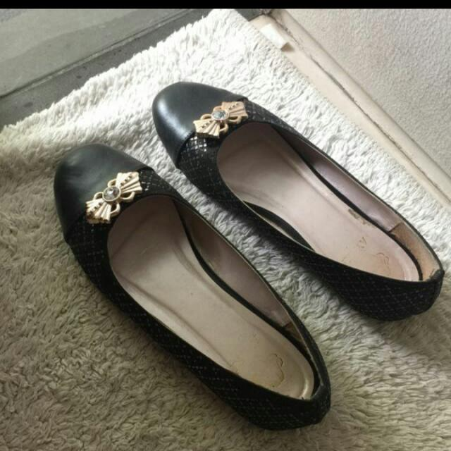 Black Flat Shoes Size 36
