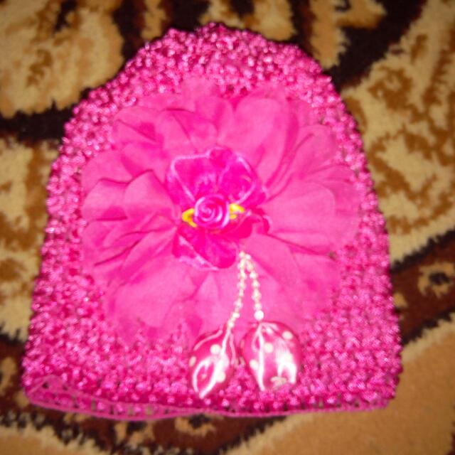 Bonnet With Flower