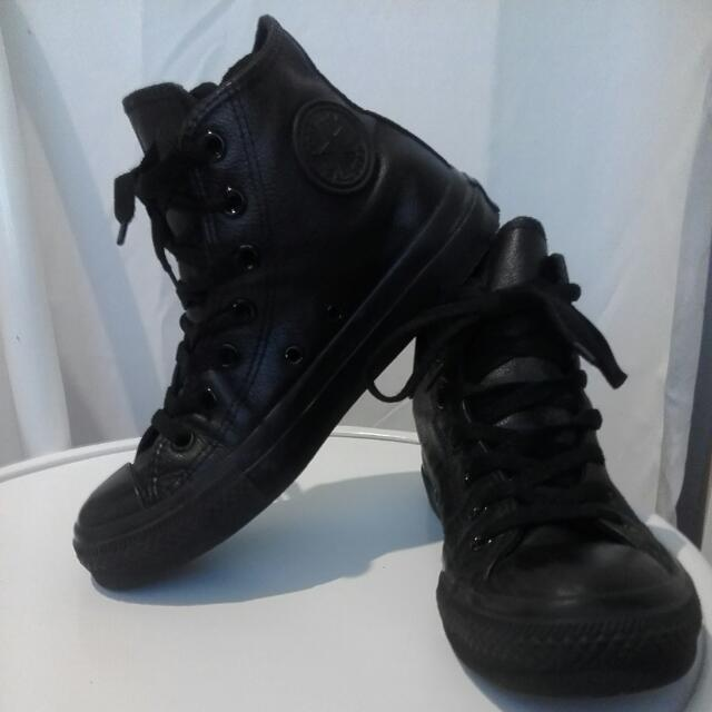 4880aac3c7 Converse Leather High Top Sneakers Size 6 Womens. Mens 4.