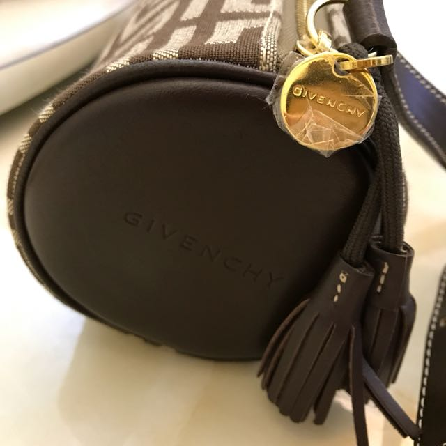 GIVENCHY Pouch (超平)