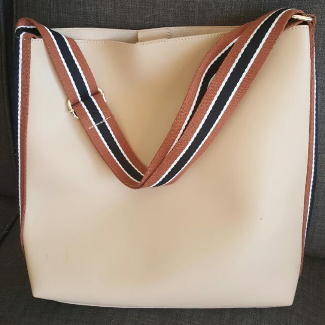 Leather Shoulderbag