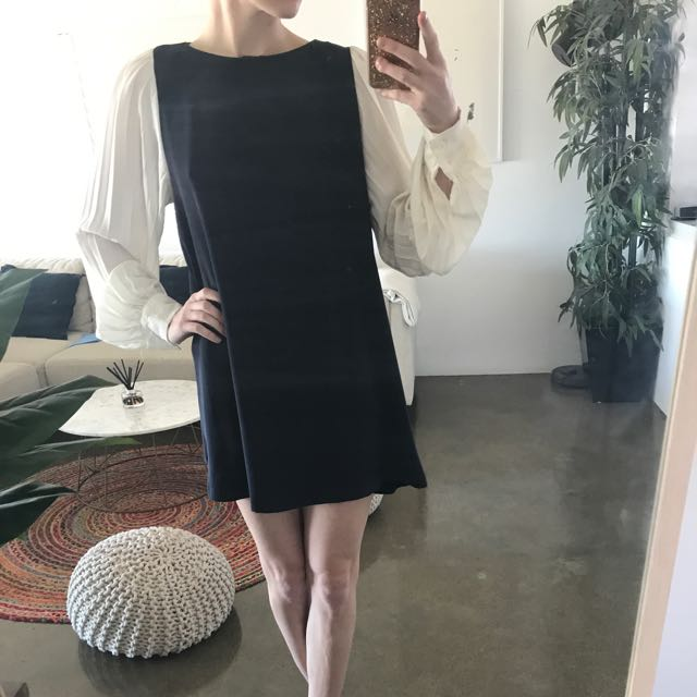 Navy And White Long Sleeved Dress Size 8
