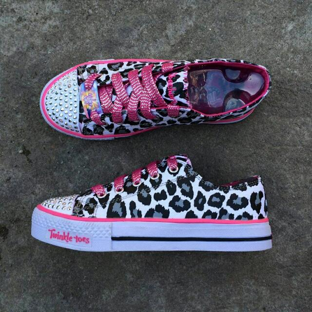 New Skechers Twinkle Toes
