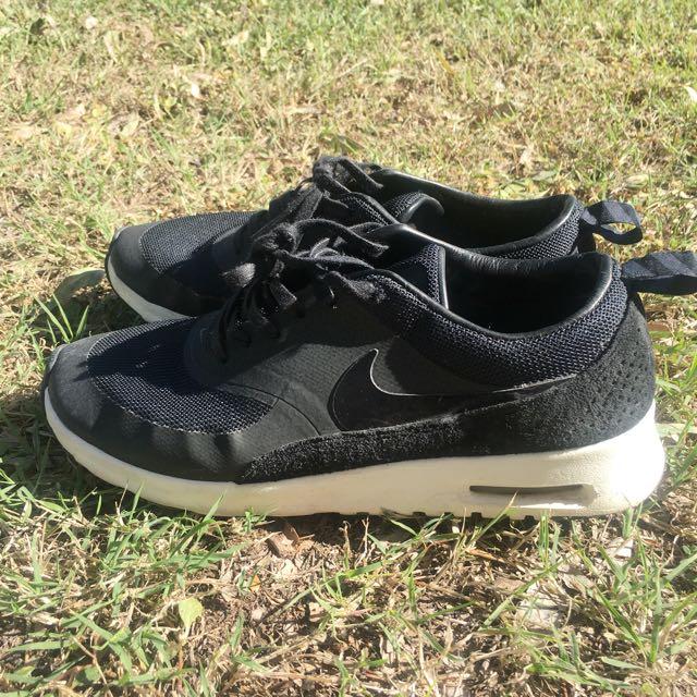 Nike Air Max Thea Black And White