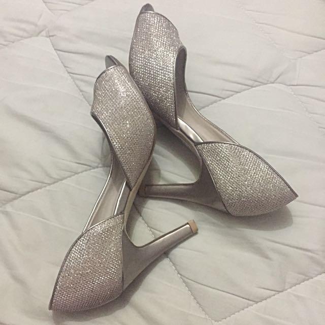 Parisian Heels (size 6)