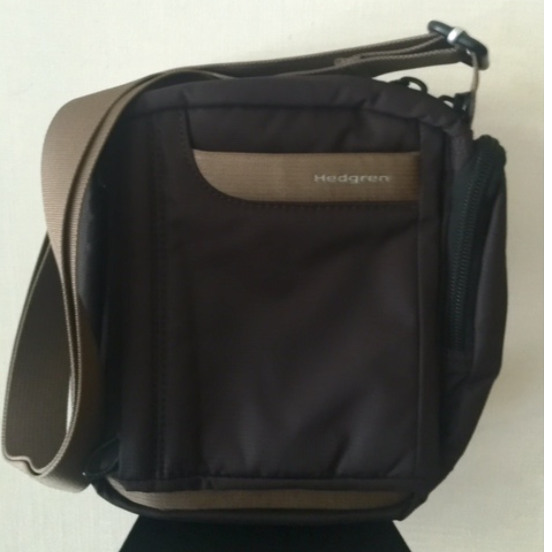 preloved Hedgren travel bag