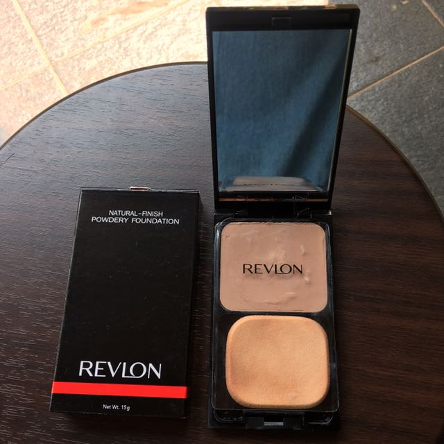 Revlon Powdery Foundation Bisque #05