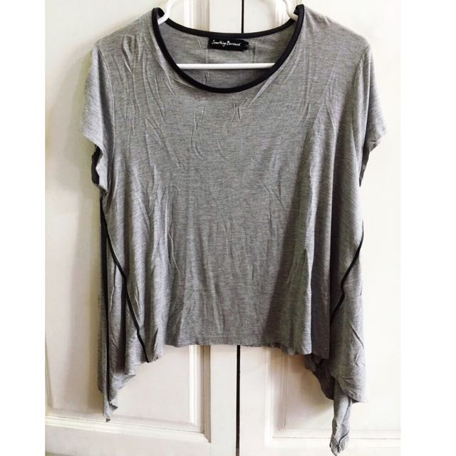 SOMETHING BORROWED Swing Hem Top (Gray)