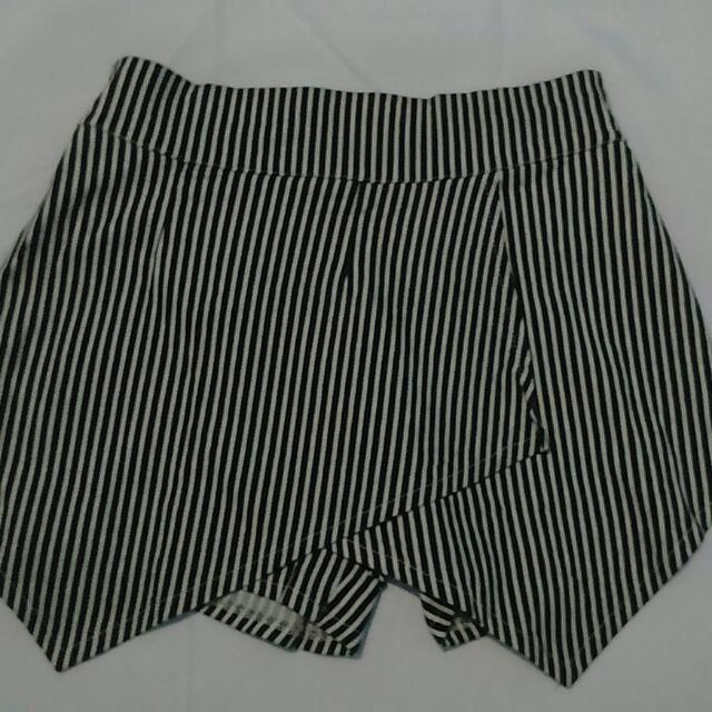 Striped Black And White Skorts (Shorts/Skirt)