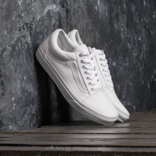 266876daa8fcb Vans Old Skool True White US 9 Brand New In Box Not Nike Adidas ...