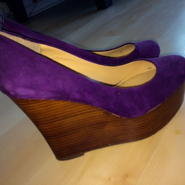 Velvet Purple Pumps