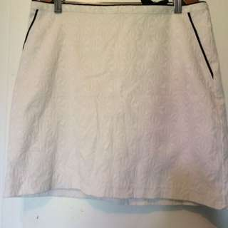 Suzy Shier Skirt. Size M.