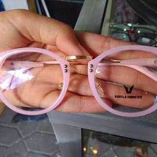 kacamata pink trendi