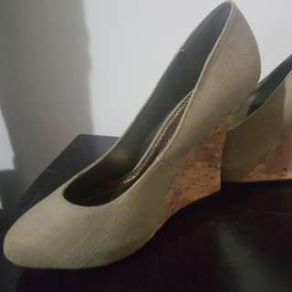 Guess Wedges Size 5