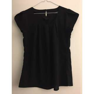 Black Short Sleeve Top, Great For Work!