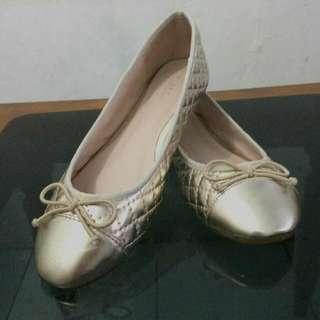 Sepatu Vinci Gold
