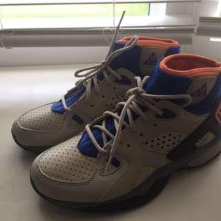 Nike Mowabb OG