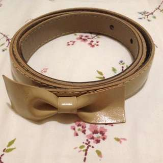 Beige Belt With Bow