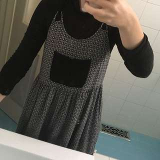 Dress With Front Pocket