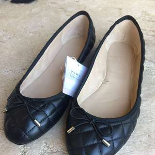 Zara Black Quilted Now Flats #EOFYSALE