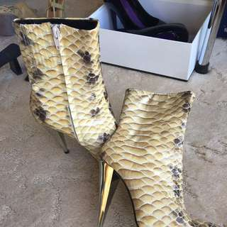 Zoe Wittner RARE Man made Leather Snake Skin Gold Heel Boot #EOFYSALE