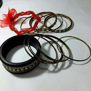 Unique Vincci Laces and Golden Wood Bracelet Set