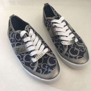 GUESS Logo Sneakers Laced Shoes Size 37, 7