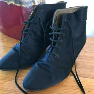 Yves Saint Laurant Boots - Size 37